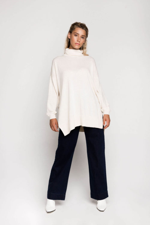 Ethical clothing label Kowtow's Roll Neck Knit is the essential to any wardrobe for the cooler months. The Roll Neck Knit is made from Organic Cotton and knitted in a fine single jersey, making it incredibly warm and cosy and perfect for layering. The knit features a drop shoulder, side seam splits and is a relaxed fit finishing below the hips.